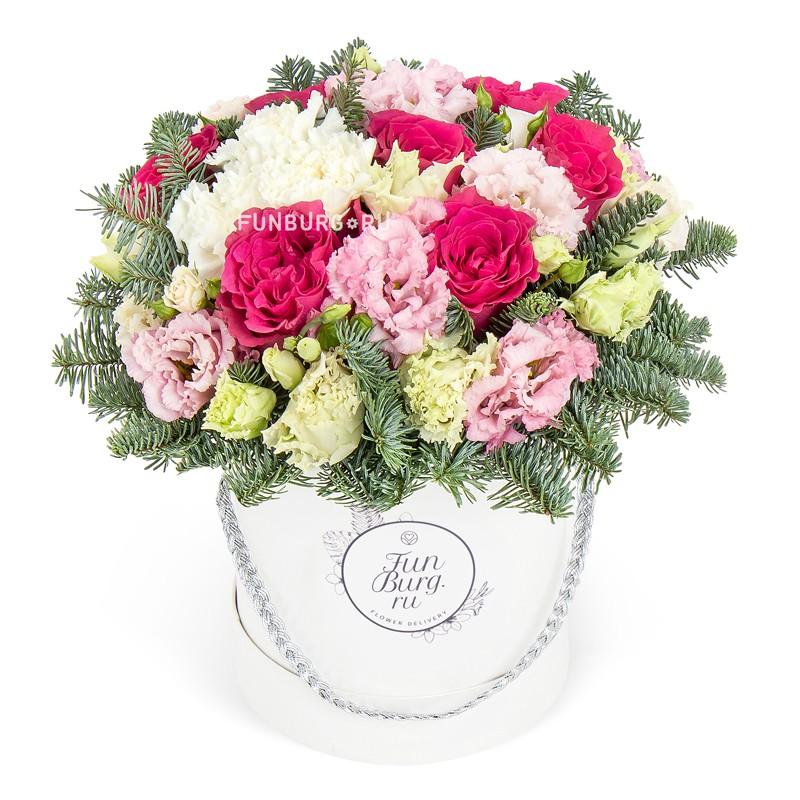Цветы в шляпной коробке «Белоснежка»