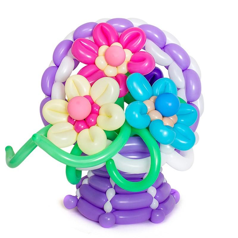 Фигура из шаров «Корзина полевых цветов»С цветами<br>Состав: 3 цветка, корзина<br> Высота корзинки цветов: около 60 см<br> Производство: Funburg.ru<br> <br><br> Цветы в корзинке, по вашему желанию, могут быть любого другого цвета (как и сама корзинка). Консультируйтесь с операторами интернет-магазина.<br><br>