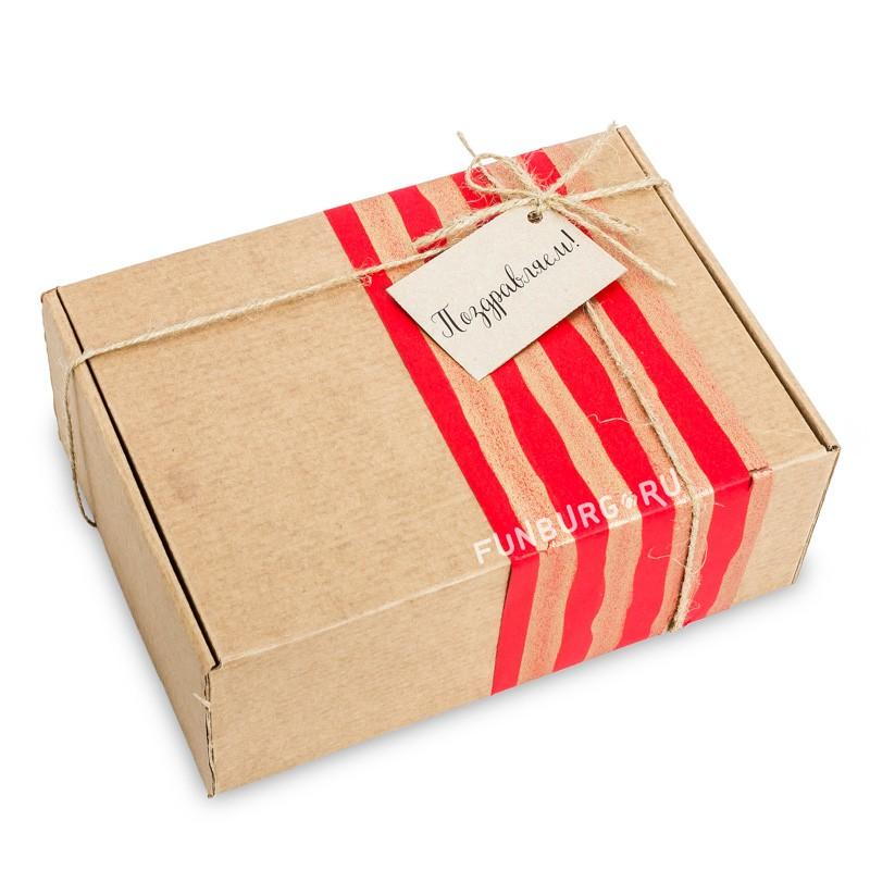 Подарочная упаковка «В крафт-коробку №1»Упаковка подарков<br> <br>Состав:<br><br><br>крафт-коробка, цветная бумага, бечевка, бирка<br><br><br> <br>Размер:<br><br><br>24?17?9 см<br>Цветовую гамму и тематику упаковки можно обсудить с менеджером.<br><br>