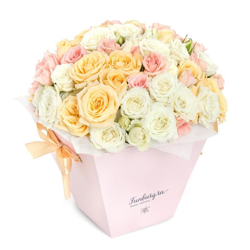 Цветы в коробке с ручками «Барышня» фото