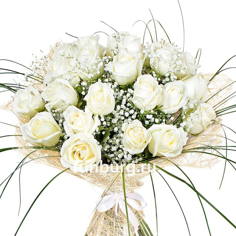 Букет из белых роз с гипсофилом — 10