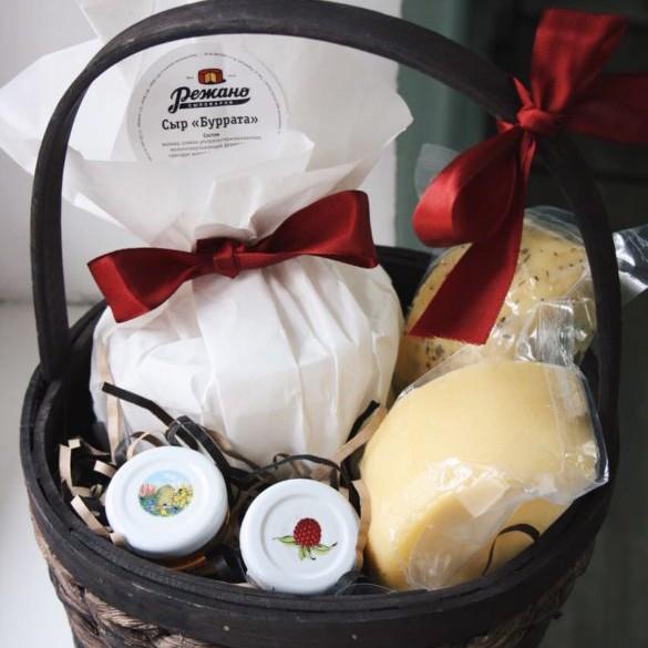 Купить Подарочная корзина «Сырная» №2