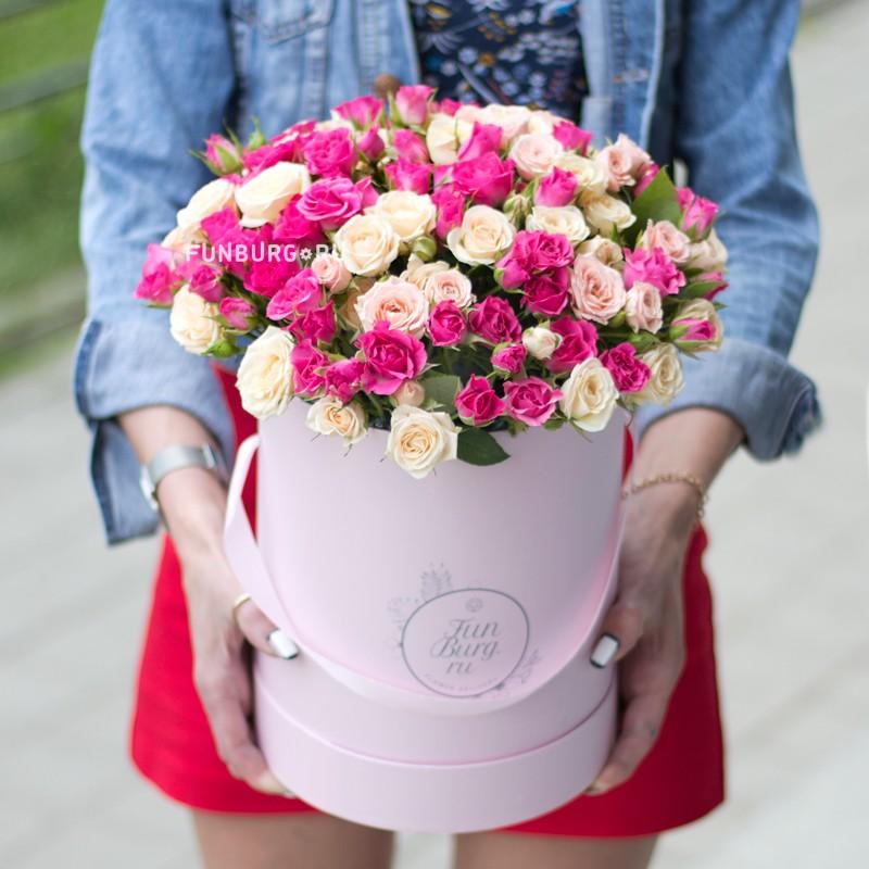 Розы в шляпной коробке «Вечная молодость» фото