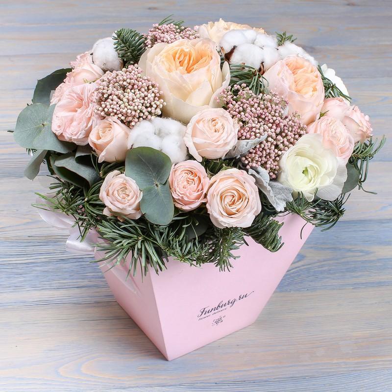 Цветы в коробке с ручками «Морозный полдень» фото