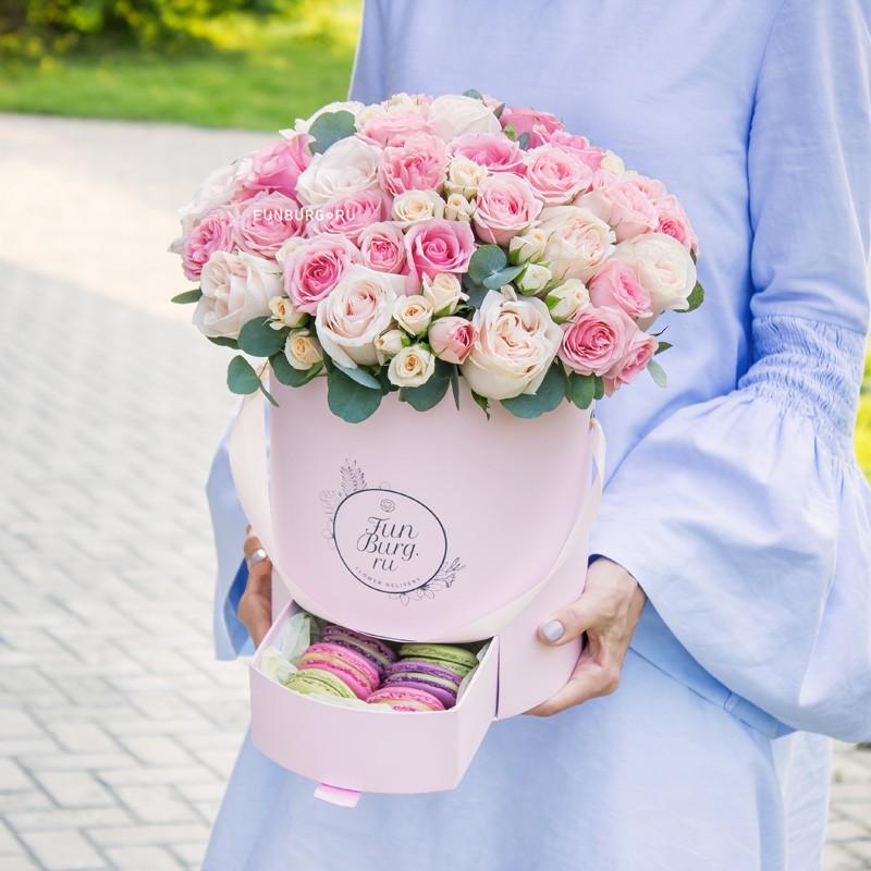 Купить Розы в шляпной коробке «Малиновый пломбир»