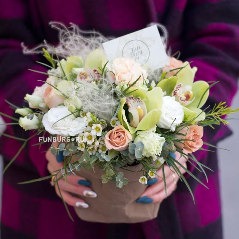 Цветы в декоративном мешке «Штрудель» фото