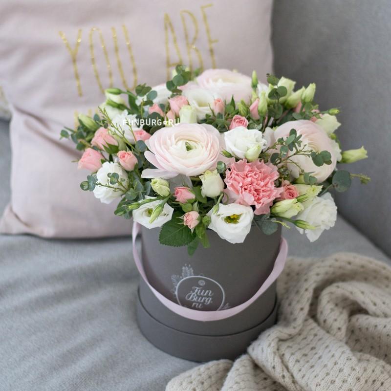 Купить Цветы в шляпной коробке «Пируэт»