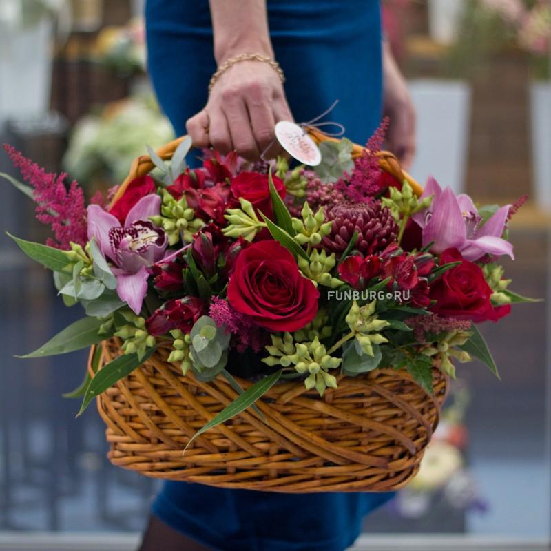 1e87fdc181c83 Корзинка цветов «Цветочный коктейль», арт. 87109 по цене 2990 ₽, отзывы