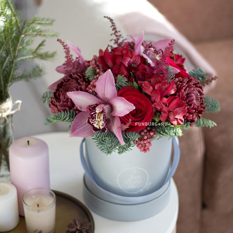 Цветы в шляпной коробке «Мускат» фото
