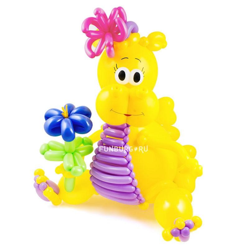 Фигура из шаров «Дракоша»День рождения<br>Высота: 70-80 см<br> Производитель: Funburg.ru<br> Состав: дракоша с цветочком<br>