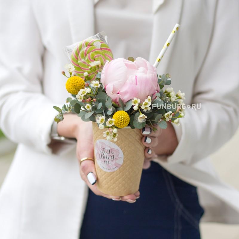 Купить Цветы в стаканчике «Мороженое»