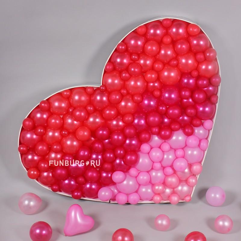 Фигура из шаров в технике аэромозаика «Сердце»