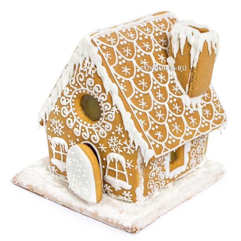 Пряник «Имбирный домик»Сладости<br>Состав: ароматный медово-имбирный пряничный домик<br>Обратите внимание, заказ имбирного домика необходимо оформлять минимум за 5 дней.<br>Размеры: высота 16 см, диаметр подставки 14 <br>