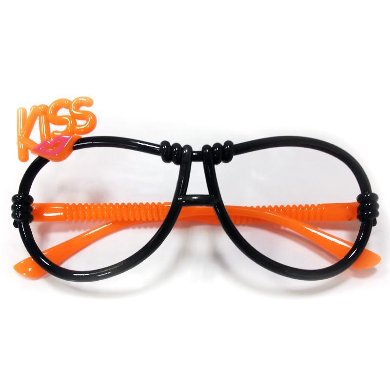 Карнавальные очки «Поцелуй»Карнавальные очки<br>Материал: пластик<br>