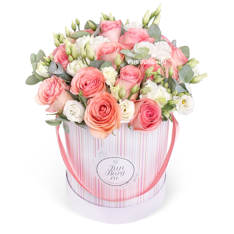 Цветы в шляпной коробке «В лучах заката»Цветы в шляпных коробках<br><br> Размер:<br><br><br> высота 35 см, диаметр 25-30 см<br><br><br>
