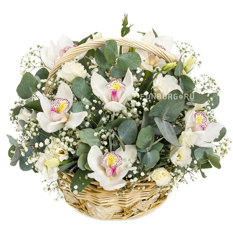 Корзина цветов «От чистого сердца»Корзины цветов<br> <br>Размер:<br><br><br>высота 35 см, диаметр 40 см<br><br>