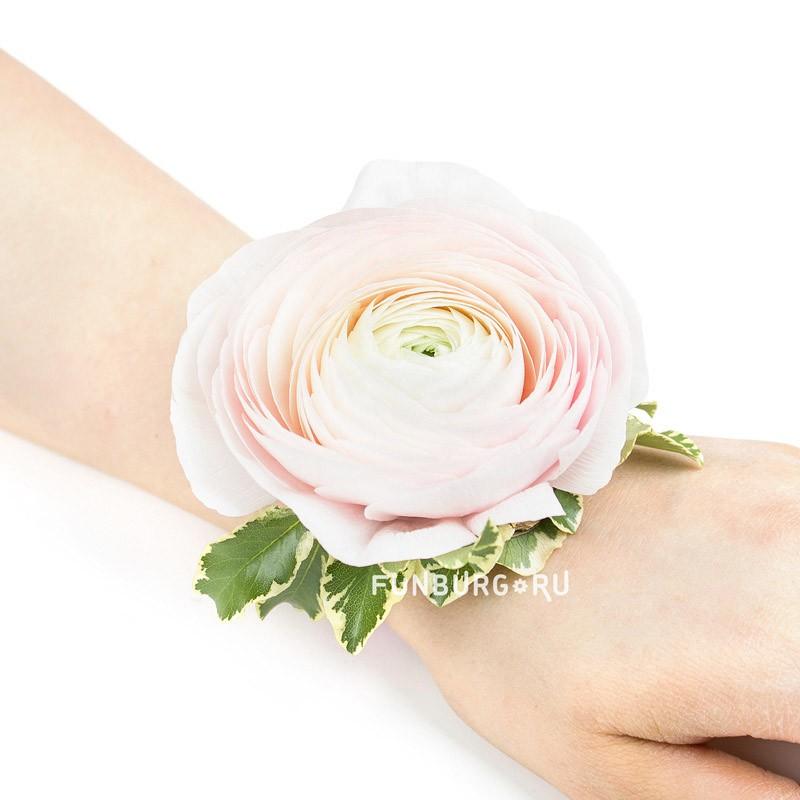 Цветочный браслет №1Свадебные аксессуары<br> <br>Размер:<br><br><br>диаметр 5-6 см<br>длина регулируется лентами<br><br>