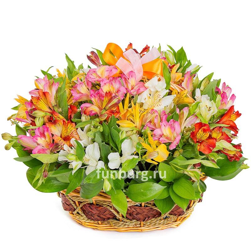 Корзина цветов «Летняя»Корзины цветов<br> <br>Размер:<br><br><br>диаметр 35 см, высота 30 см<br><br>