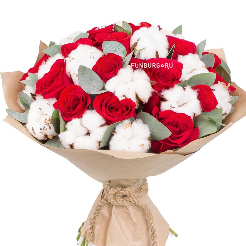 Букет «Пряности и страсти»с розами<br> <br>Размер:<br><br><br>диаметр30см<br><br>