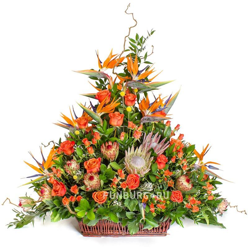 Интерьерная композиция «Доминикана»с розами<br> <br>Размер:<br><br><br>высота 140 см, ширина 150 см<br><br>