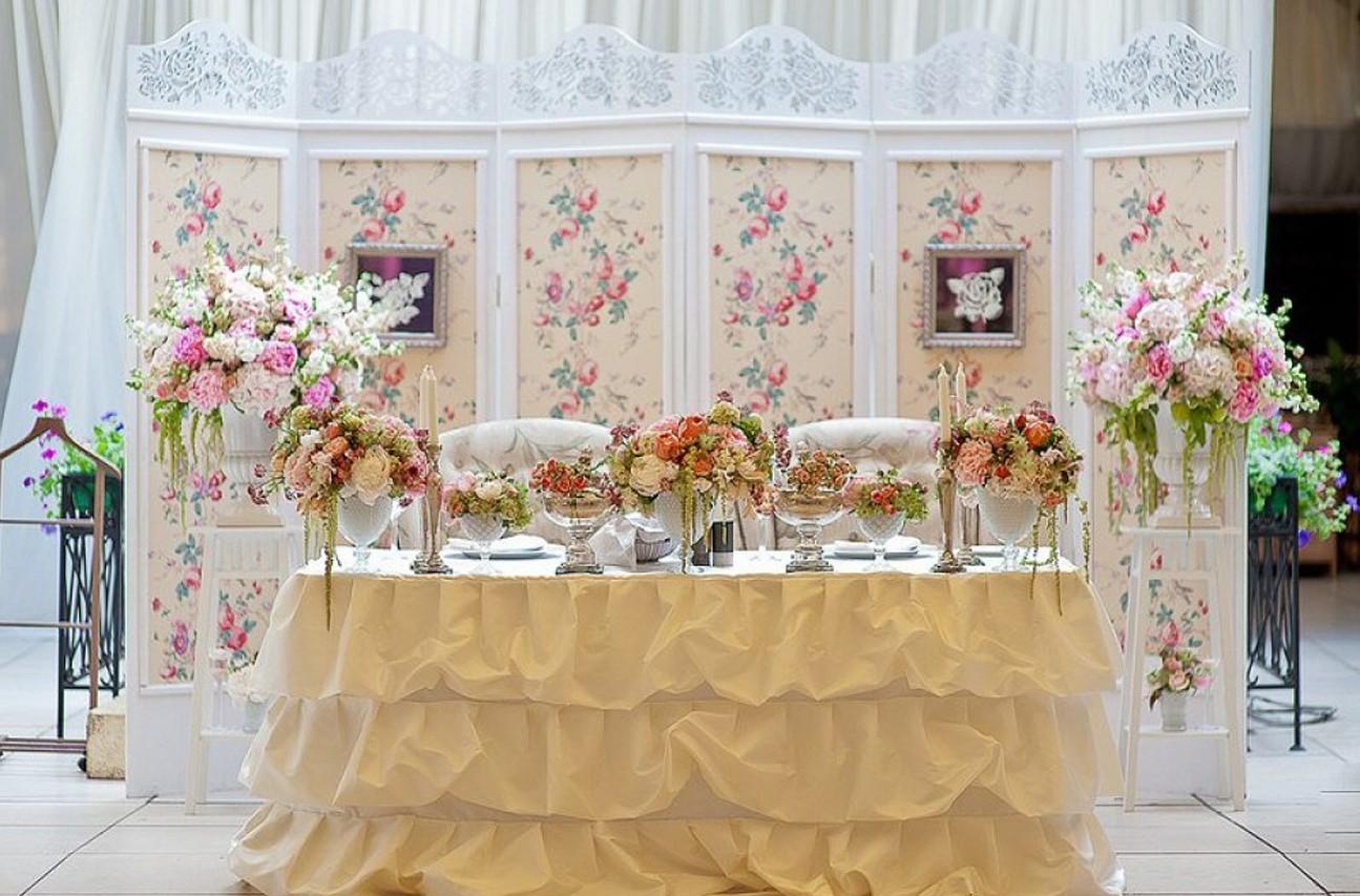 Как оформить зону молодых на свадьбе 174