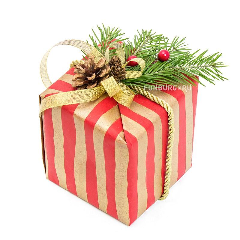 Подарочная упаковка «Новогодняя №6»Упаковка подарков<br>Состав: упаковочная бумага, атласная лента, натуральный декор.Цветовую гамму и тематику упаковки можно обсудить с менеджером.Указана минимальная стоимость упаковки. Цена зависит от размера подарка.<br>