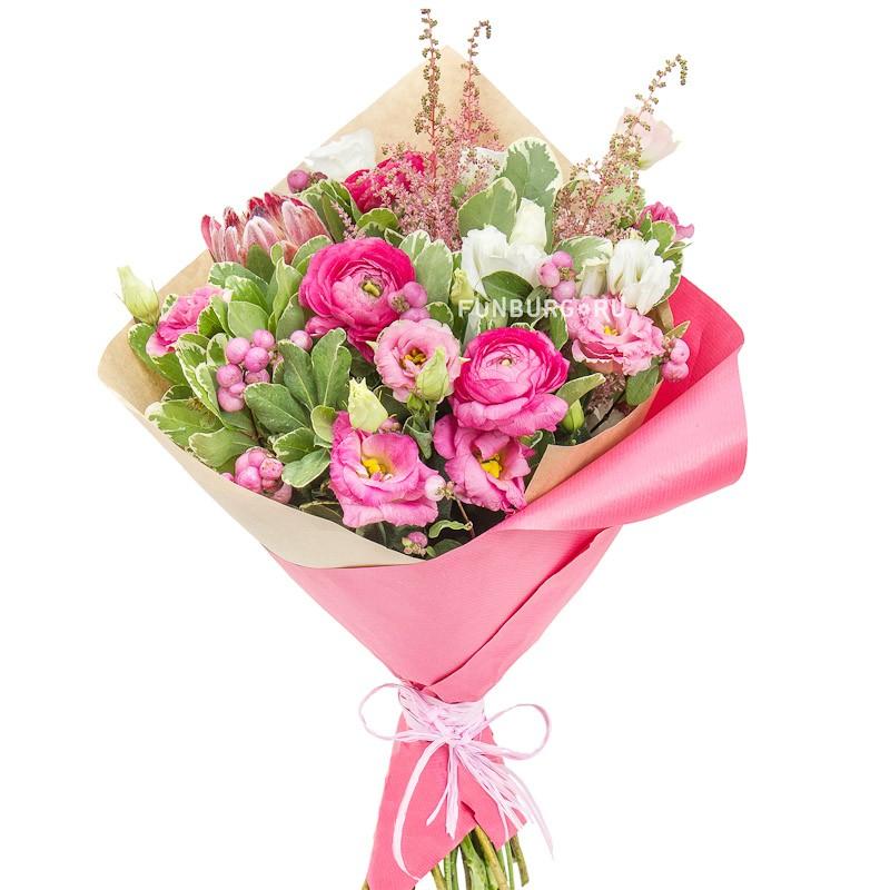 Букет «Бонни»с экзотическими цветами<br> <br>Размер:<br><br><br>диаметр 30-35 см<br><br>