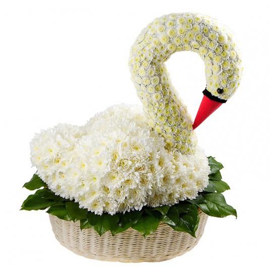 Игрушка из цветов «Романтичный лебедь»Игрушки из цветов<br> <br>Размер:<br><br><br>высота 35 см, ширина 15 см, длина 30 см<br><br>