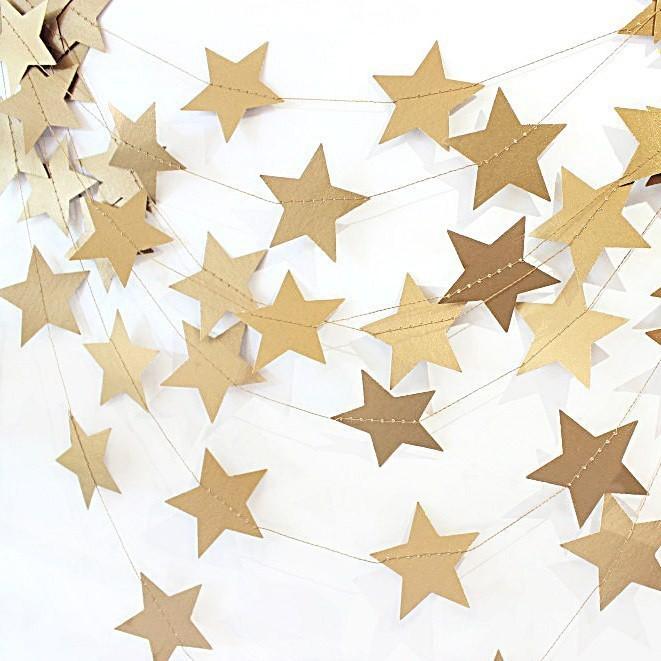 Гирлянда из звездочек «Золотые звезды»Бумажные гирлянды<br>Цена указана за метр гирлянды<br><br> <br>Материал:<br><br><br>дизайнерская бумага, нитки<br>