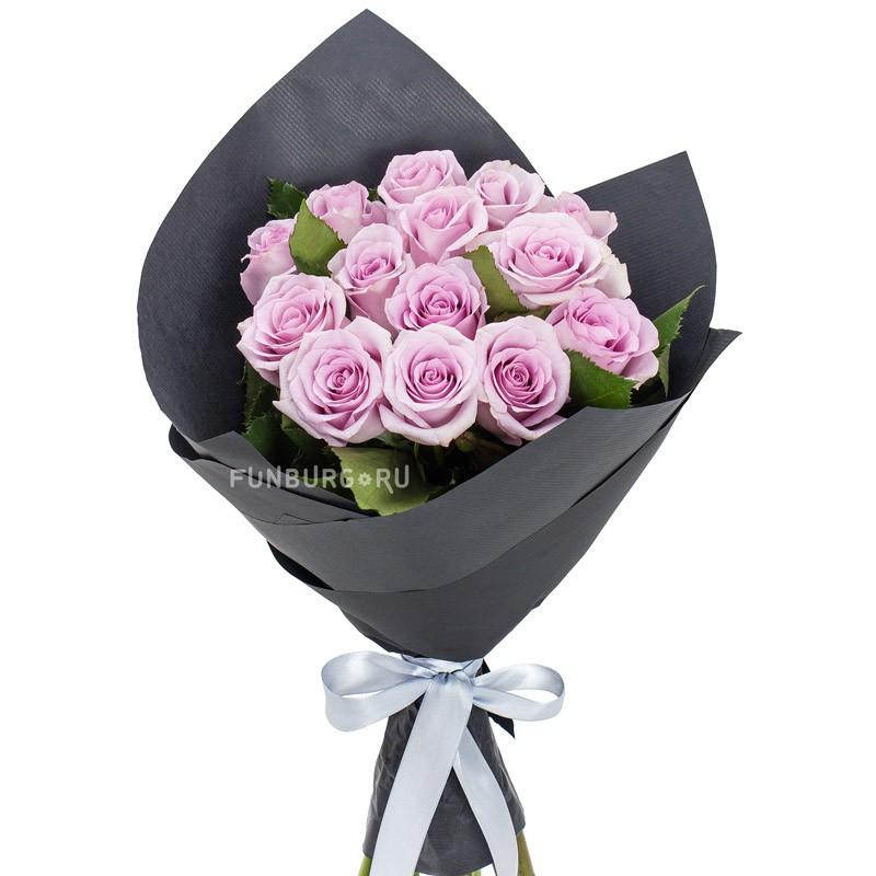 Букет «Виолетта»с розами<br> <br>Размер:<br><br><br>диаметр 30-35  см, высота 35 см<br><br>