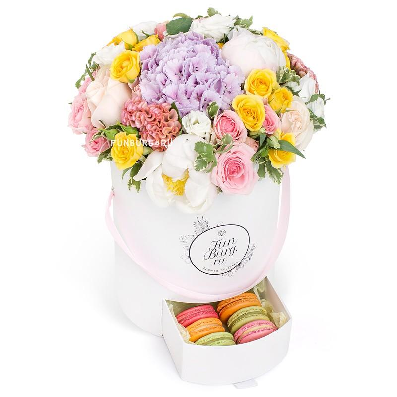 Цветы в шляпной коробке «Джелато»Цветы в шляпных коробках<br><br> Размер:<br><br><br> высота 35 см, диаметр 25-30 см<br><br><br>