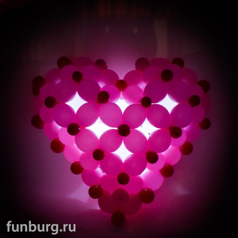 Светящаяся фигура «Сердце 3D»Светящиеся шары<br>Размер: 100?100 см<br> <br><br> Сердце может быть выполнено в другом цвете или размере, в зависимости от вашего желания! Мигающие светодиоды могут быть белыми или разноцветными. Консультируйтесь с операторами интернет-магазина.<br><br>