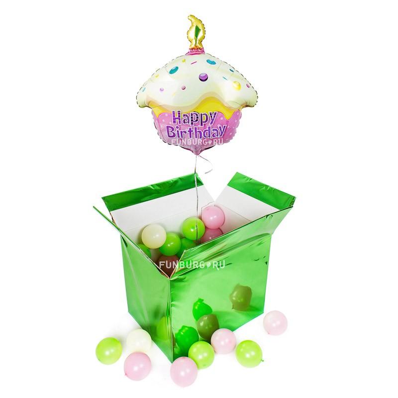 Коробка с шарами «Сюрприз с кексиком»Коробки с шарами<br>Размер: 51?37?42 см<br>Цвет коробки: на ваш выбор<br>Состав: коробка, 50 шаров 5, шар из фольги «Кекс», помпон ручной работы из бумаги<br>