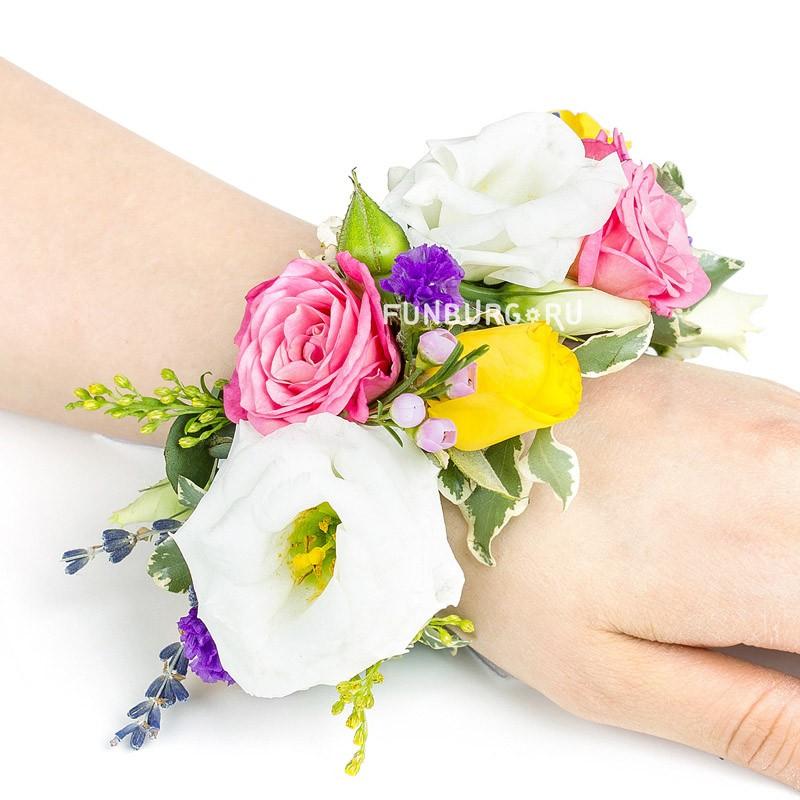 Цветочный браслет №4Свадебные аксессуары<br> <br>Размер:<br><br><br>по длине композиции 12-13 см<br>длина регулируется лентами<br><br>