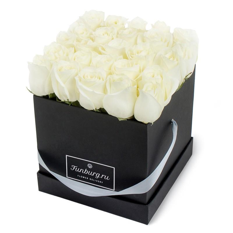 Цветы в шляпной коробке «Икона стиля»Цветы в шляпных коробках<br><br> Размер:<br><br><br> ширина 23 см, высота 30 см<br><br><br>