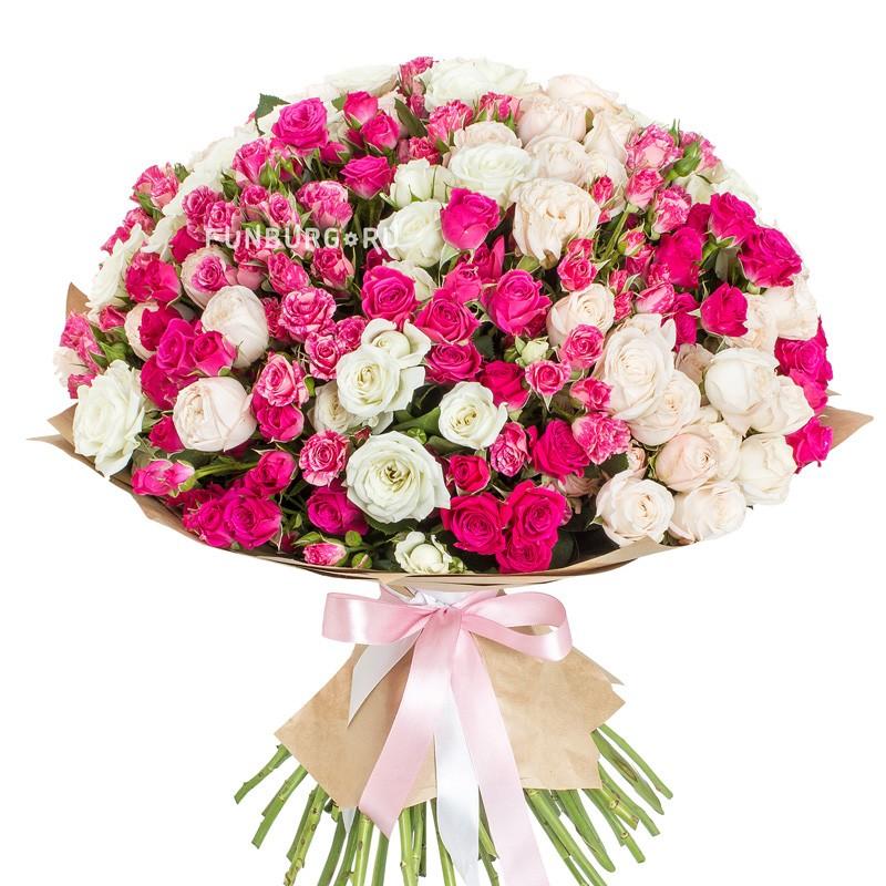 Букет «Розы в саду»Большие букеты<br> <br>Размер:<br><br><br>диаметр 50 см<br><br>