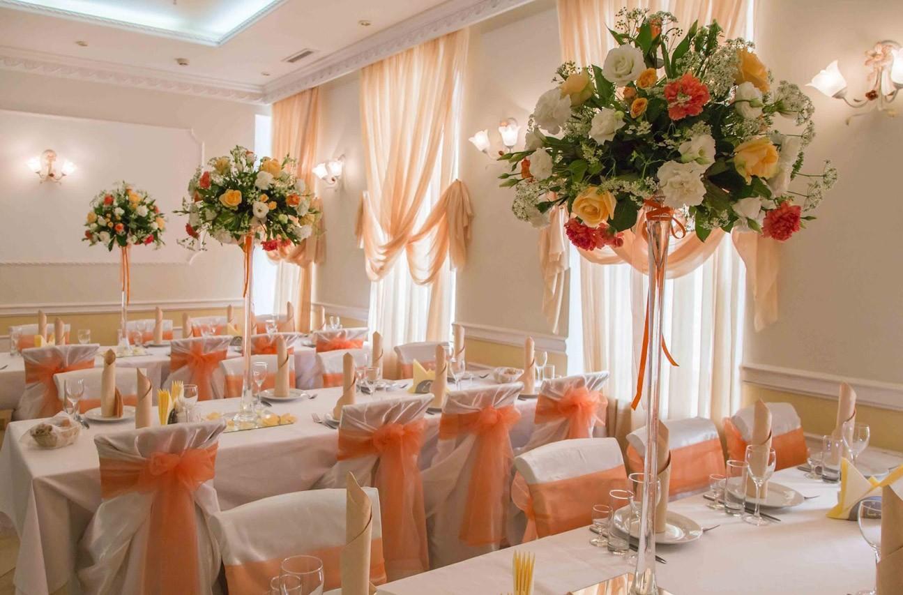 Фуршетный стол на свадьбу своими руками: фото оформления и меню 10